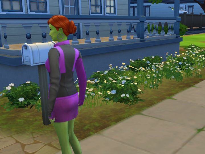 Moving to an existing house in The Sims 4