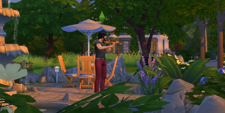 Playing Violin in The Sims 4